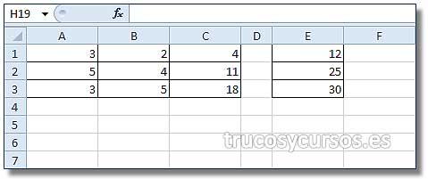 Sistemas de ecuaciones en Excel: Rango Coeficientes, A1:C3; Rango E1:E3, términos