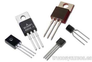Transistores con diferentes encapsulados.