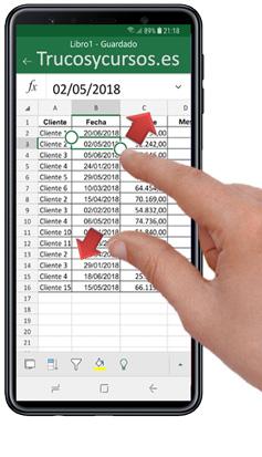 Móvil con Excel acercado el zoom en la hoja